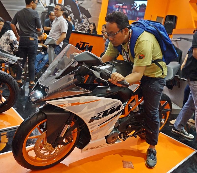 2018 ktm rc 250. plain ktm email pembaca ingin sport bike 250cc mana terbaik cbr250rr atau ktm rc250   kobayogascom your automotive blog inside 2018 ktm rc 250 u